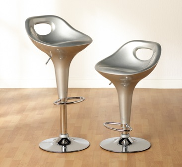 Chic Amy bar stool with metallic silver gloss seat and adjustable height