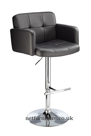 Picard Retro Bar Chair - high arm rests and back